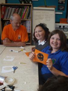 Peak Forest Primary School students with Fringe vice-chair Keith Savage
